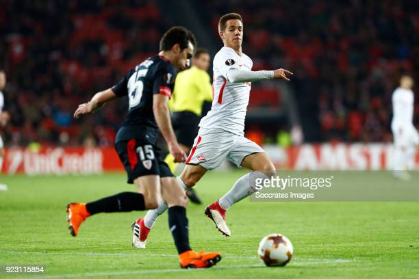 Inigo Lekue of Athletic Bilbao Mario Pasalic of Spartak Moscow during the UEFA Europa League match between Athletic de Bilbao v Spartak Moscow at the...