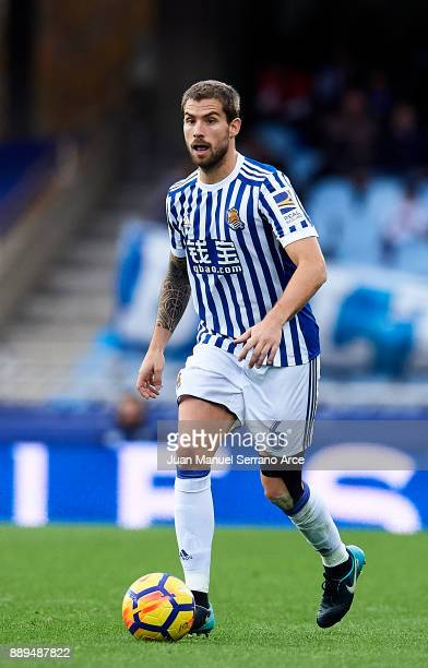 Inigo Martinez of Real Sociedad controls the ball during the La Liga match between Real Sociedad de Futbol and Malaga CF at Estadio Anoeta on...