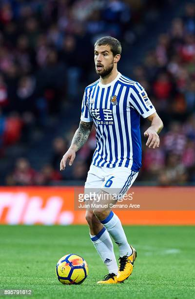 Inigo Martinez of Real Sociedad controls the ball 'n during the La Liga match between Athletic Club Bilbao and Real Sociedad de Futbol at San Mames...
