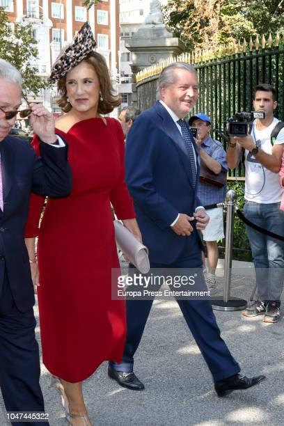 Inigo Mendez de Vigo and his wife Maria Perez de Herrasti y Urquijo attend the wedding of Fernando FitzJames Stuart and Sofia Palazuelo at Liria...