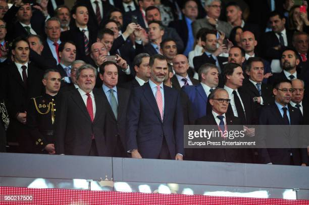 Inigo Mendez de Vigo King Felipe VI and Josep Maria Bartomeu are seen at the Spanish Copa del Rey Final match between Barcelona and Sevilla at Wanda...