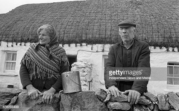 Inis Me��in Aran Islands September 21 1983 Maire N�� Chonghaile and her husband Peadar O'Conghaile on Inis Me��in Photographer Matt Walsh 21/09/83