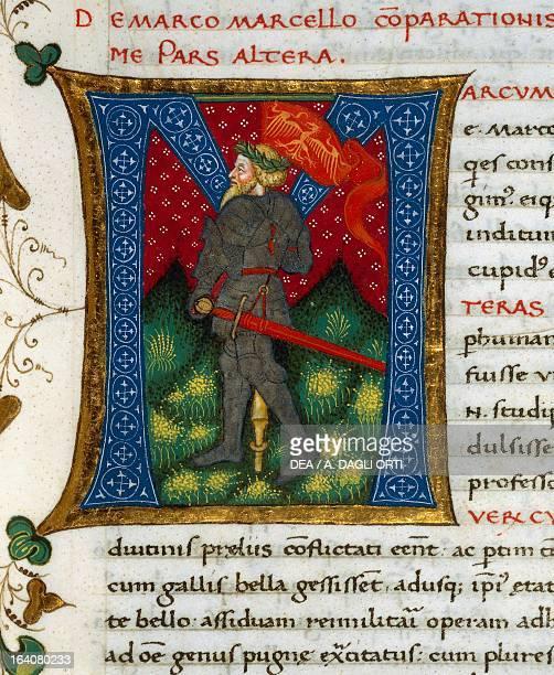 Initial letter M depicting Marcus Claudius Marcellus miniature from In libris epitomatum illustriorum virorum Plutarchi by Pietro Candido Decembrio...