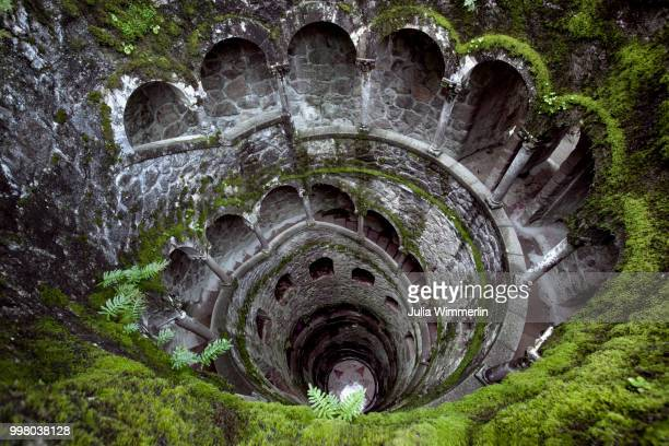 initiation well - quinta da regaleira photos stock pictures, royalty-free photos & images