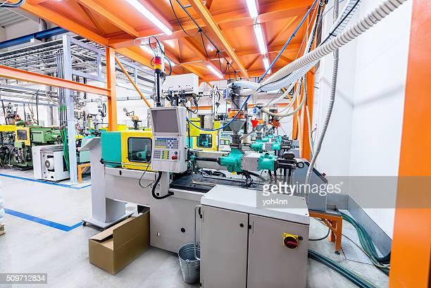 Máquinas de moldar por injecção