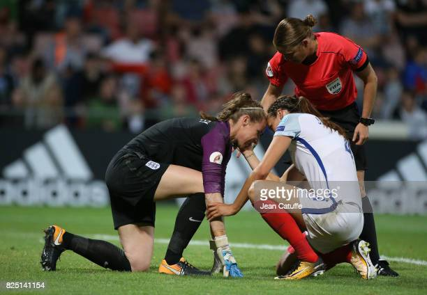 Injured goalkeeper of England Karen Bardsley during the UEFA Women's Euro 2017 quarter final match between England and France at Stadion De...