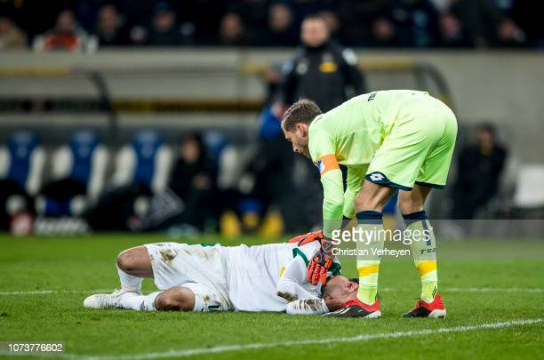 Injured Lars Stindl of Borussia Moenchengladbach leaves the pitch during the Bundesliga match between TSG 1899 Hoffenheim and Borussia...
