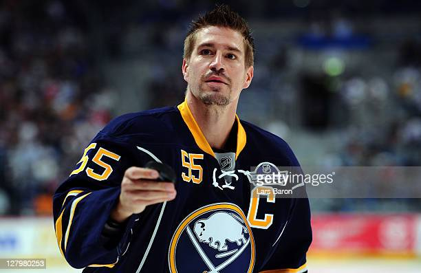 Injured player Jochen Hecht of Buffalo is seen prior to the NHL Pre-Season match between Buffalo Sabres and Adler Mannheim at SAP Arena on October 4,...