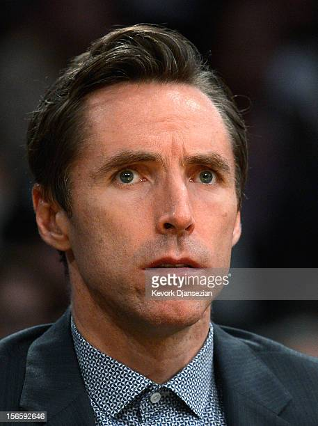 Injured point guard Steve Nash of the Los Angeles Lakers follows the game from the bench against the Phoenix Suns at Staples Center on November 16...