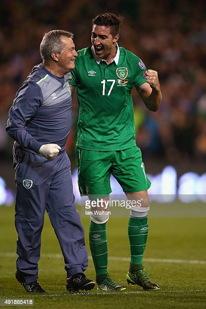 Injured Stephen Ward of Republic of Ireland celebrates after Shane Long of Republic of Ireland scored the opening goal during the UEFA EURO 2016...