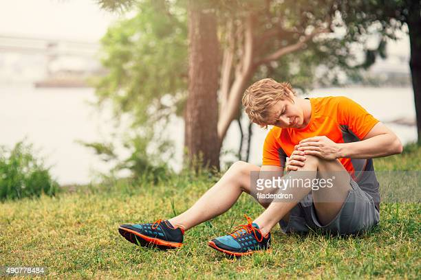 injury - sprain stock pictures, royalty-free photos & images
