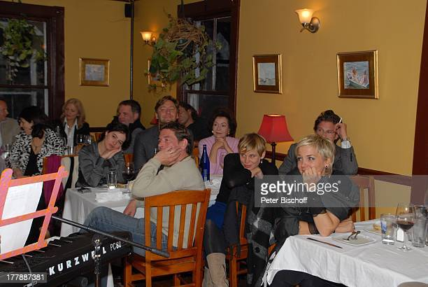 Tom Mikulla Eva Kristian Kiehling Party zum 70 Geburtstag von Heide Keller neben den Dreharbeiten zur ZDFReihe Traumschiff Folge 62 Indian Summer...