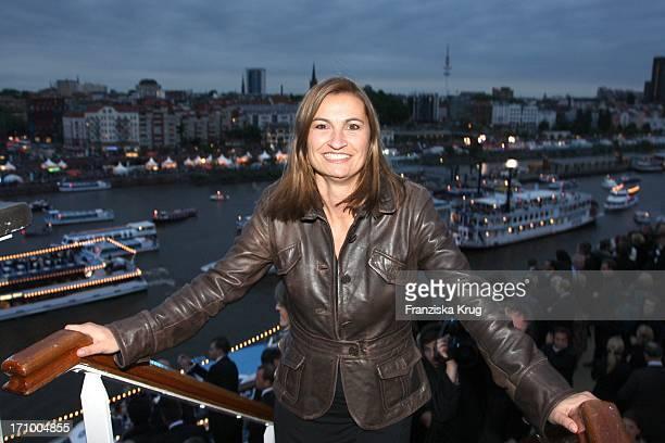 Inka Schneider Bei Der Taufe Der 'Mein Schiff' Im Hamburger Hafen In Hamburg