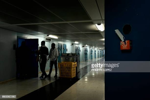 Inmates in charge of the lunch distribution are pictured on December 14 2017 at the FleuryMerogis prison the largest prison in Europe located in the...