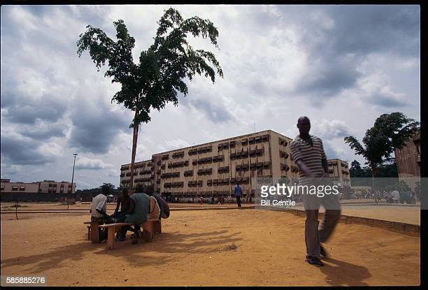 inmates in prison yard - abidjan stock pictures, royalty-free photos & images