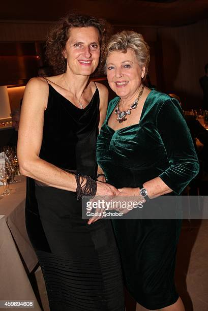 Innegrit Volkhardt MarieLuise Marjan during the ARD advent dinner hosted by the program director of the tv station Erstes Deutsches Fernsehen at...
