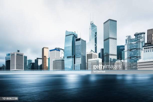 inner city road,hong kong - hong kong photos et images de collection