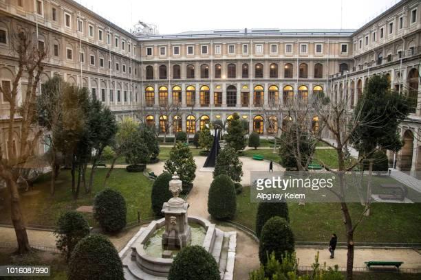 inner court of reina sofia museum - museo nacional centro de arte reina sofia stock pictures, royalty-free photos & images