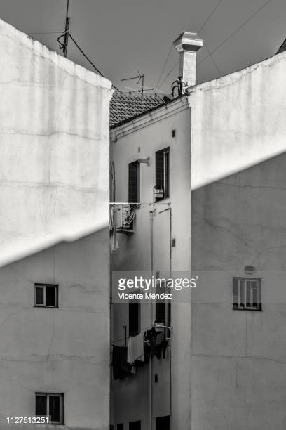 inner courtyard - blanco y negro stock pictures, royalty-free photos & images