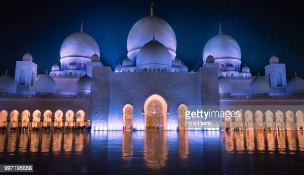inner glow - sheikh zayed mosque stock pictures, royalty-free photos & images