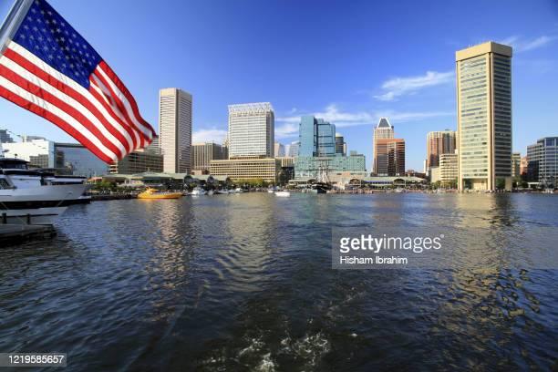 inner harbor and baltimore skyline, maryland, usa - メリーランド州 ボルチモア ストックフォトと画像