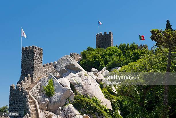 interior de paredes del castillo de moros en sintra - sintra fotografías e imágenes de stock