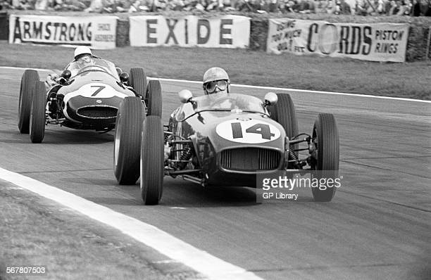 Innes Ireland in a Lotus 18 beating Stirling Moss in the Walker Cooper in the International 100 VIII Glover Trophy Goodwood England Easter Monday 18...