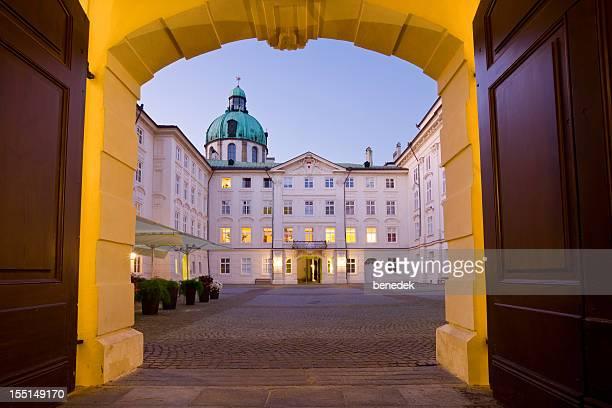innsbruck, tirol, áustria - palácio imagens e fotografias de stock