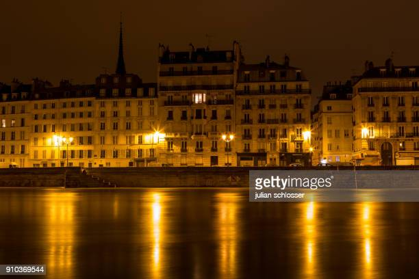 inondation de la seine à paris - quayside stock pictures, royalty-free photos & images