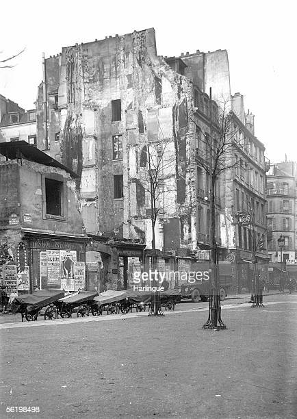 Insalubrious houses in the corner of Beaubourg street and EtuvesSaintMartin street Paris IVth district about 1930