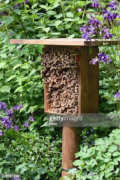 Insektenhotel - hotel insect shelter