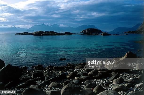 Küstenlandschaft beiHenningsvaer 1995col