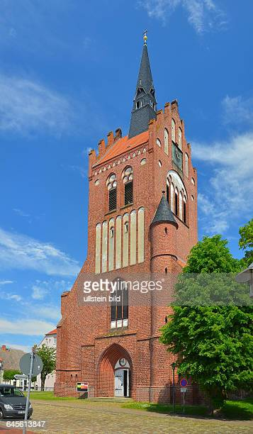 Insel Usedom Usedom Die StMarienKirche ist die einzige erhaltene Pfarrkirche der Stadt Sie ist eine dreischiffige im Kern spaetgotische Hallenkirche...