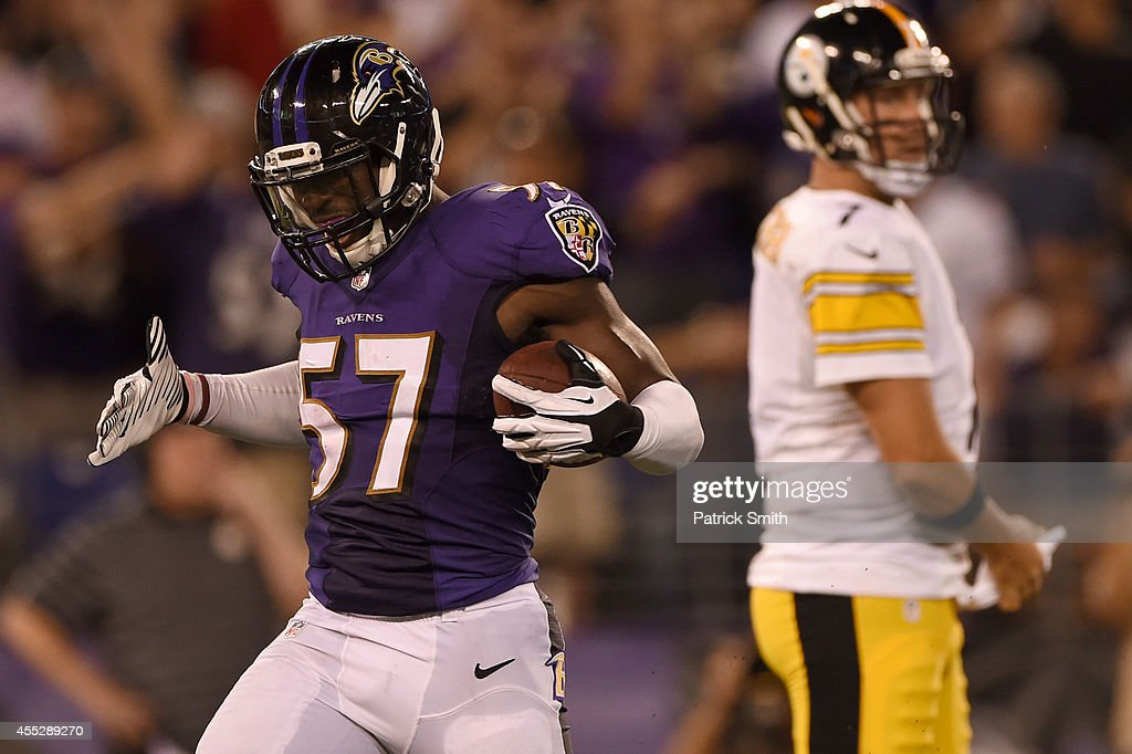 Pittsburgh Steelers v Baltimore Ravens : News Photo