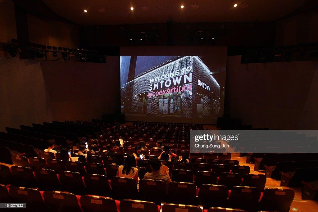 Inside the SMTOWN Coex Artium Of S.M. Entertainment : News Photo