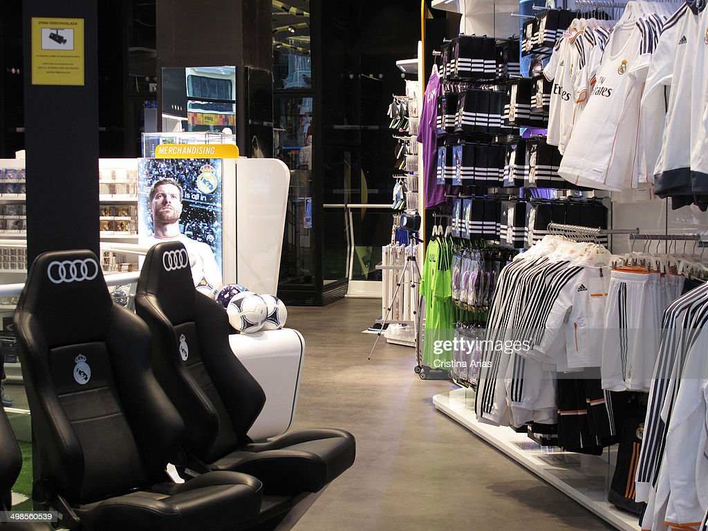 b7808c6f3 Real Madrid Official Store In Gran Via Of Madrid   News Photo