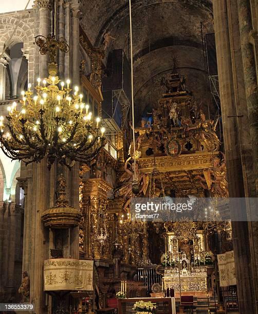 all'interno della cattedrale di santiago de compostela, spagna - cattedrale di san giacomo a santiago di compostela foto e immagini stock