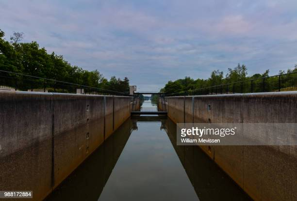 inside the lock chamber - william mevissen stock pictures, royalty-free photos & images