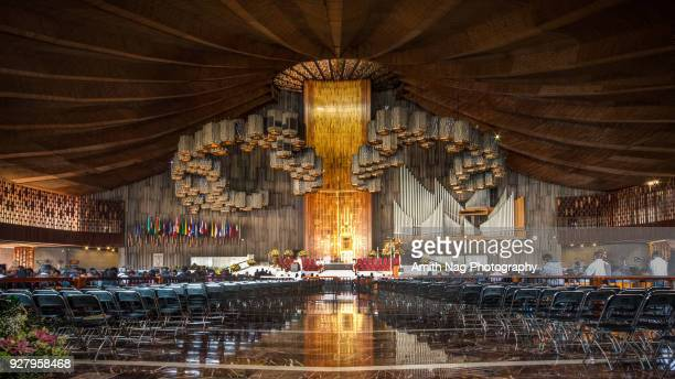 inside the massive new 2, mexico city - basilica of our lady of guadalupe stock pictures, royalty-free photos & images