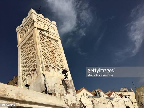 inside the narrow streets of the kasbah of algiers - アルジェー ストックフォトと画像