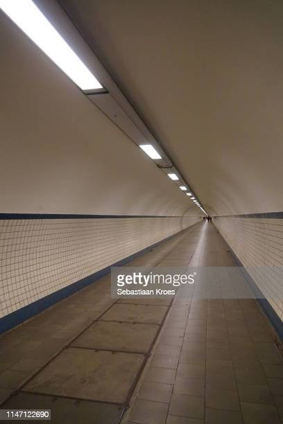 inside the saint anna tunnel, endless, antwerpen, belgium - 1931年 ストックフォトと画像
