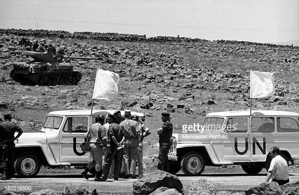 UN inspectors talking to Israel soldiers in the Six Day War Israel June 1967