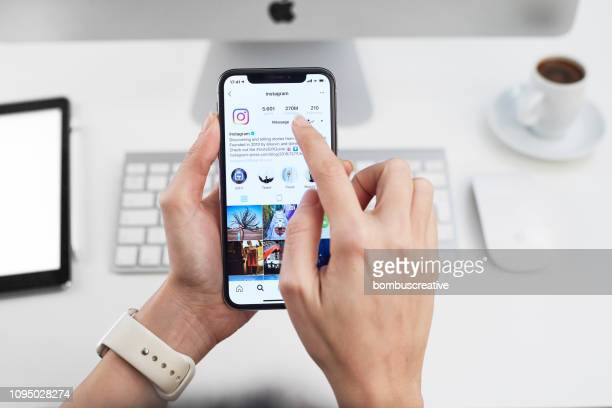 instagram application on apple iphone x - social network foto e immagini stock