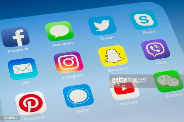 Instagram, Snapchat et autres applications de médias sociaux sur l'écran de l'iPad