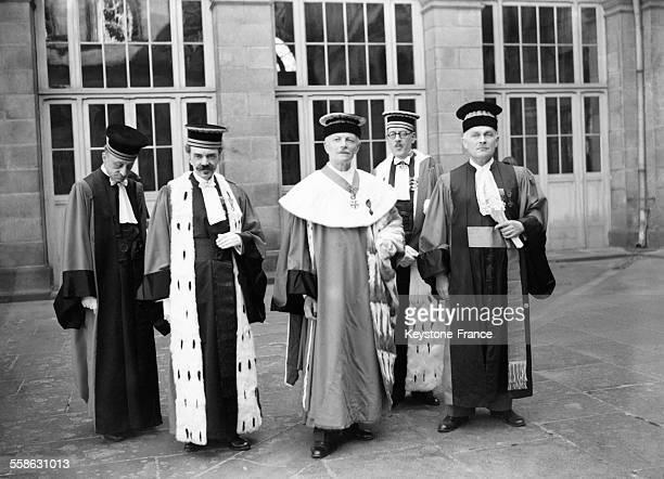 Installation de la cour suprême de justice lors du procès de Riom avec le président Pierre Caous et le procureur général Gustave Cassagnau en 1942 à...