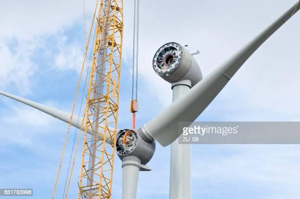 Installation the rotor blades on a wind turbine