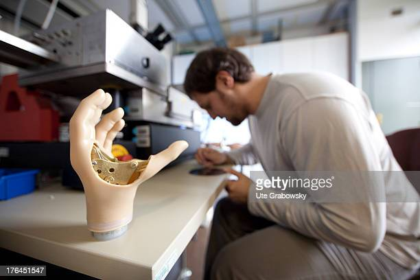 Institute for Nanoelectronics at the Technical University Hamburg Harburg Development of a bionic hand prosthesis on the basis of an efficient...