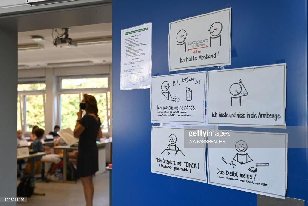 GERMANY-HEALTH-VIRUS-SCHOOL : News Photo