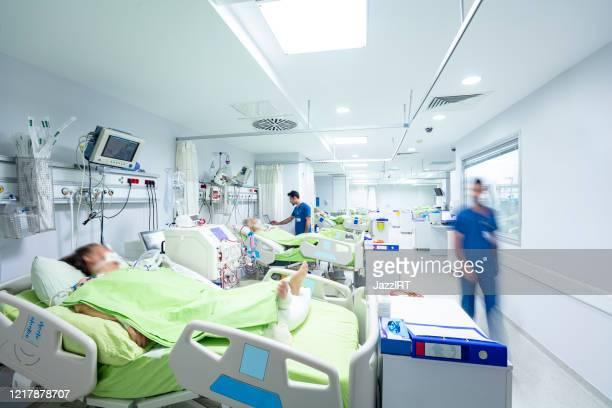 intensive care in the hospital, covid-19 - ospedale foto e immagini stock
