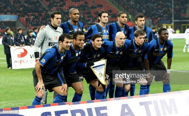 FC inter football team poses prior the match FC Inter Milan v UC Sampdoria on January 25 2008 in Milan Italy